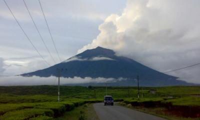 Permalink to Gunung Dempo Naik Level Waspada